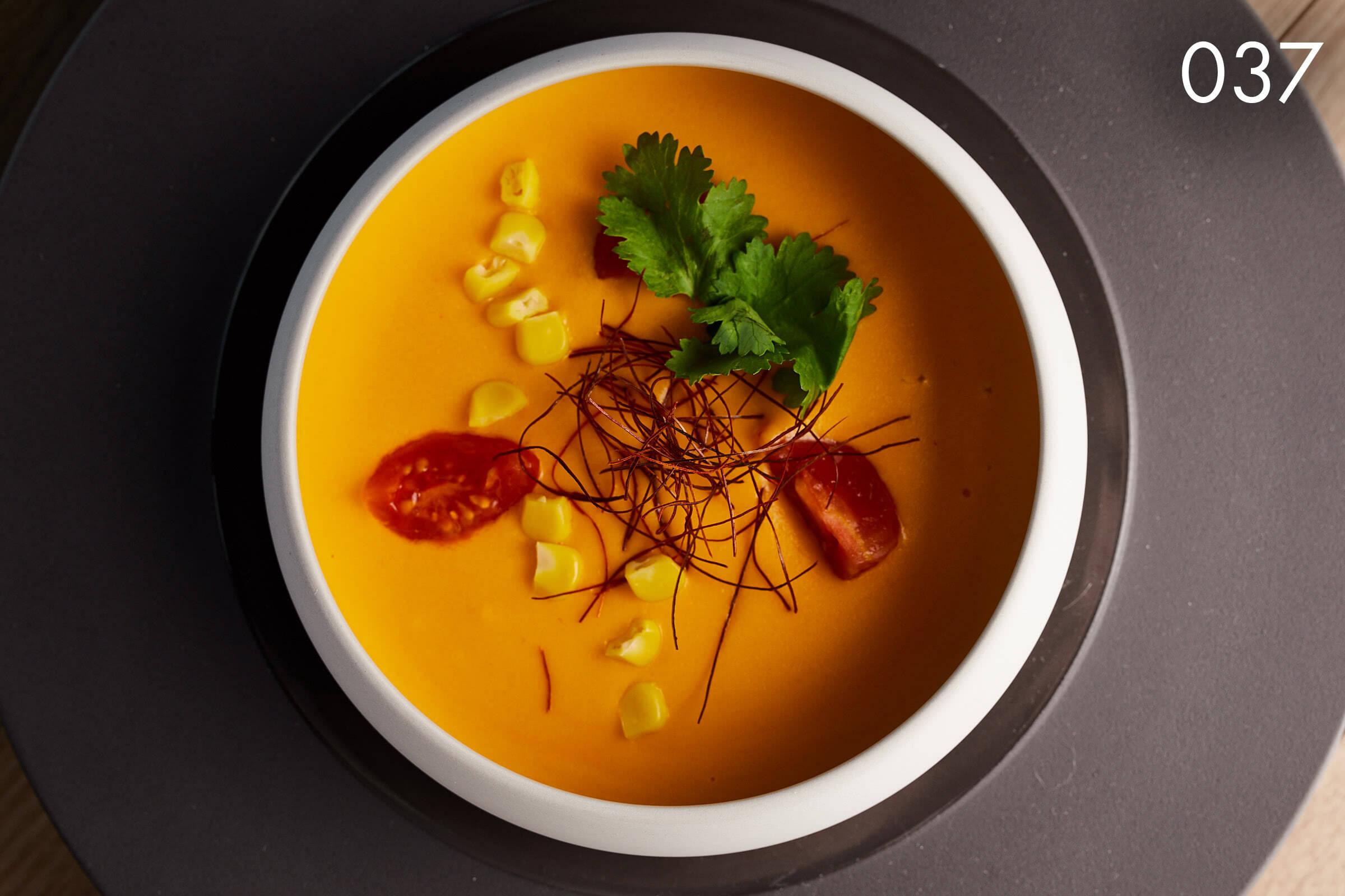 кукурузно-томатный крем-суп в ресторане Веранда