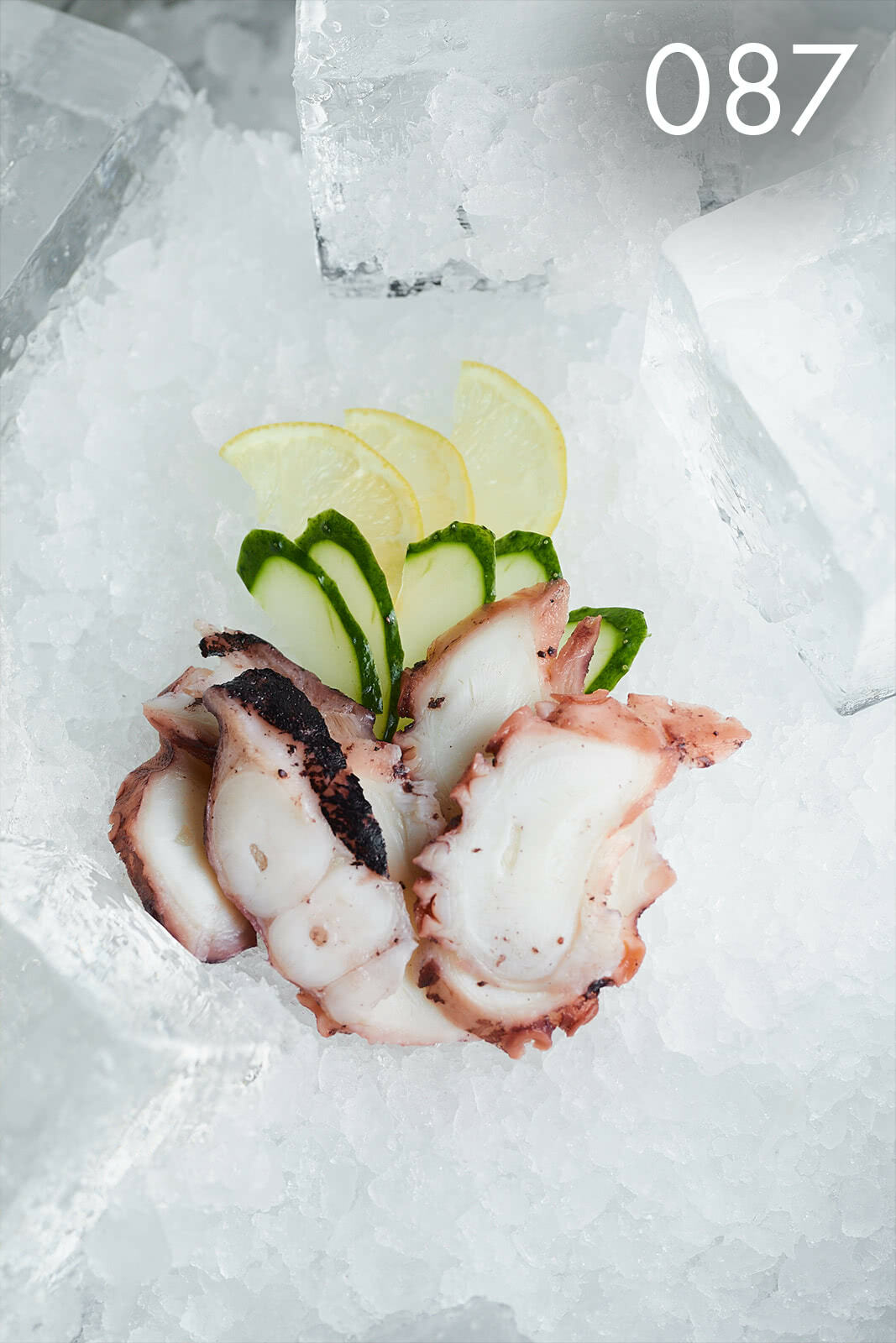 сашими с осьминогом в ресторане Веранда